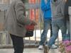 beggar-fake-crippled-13