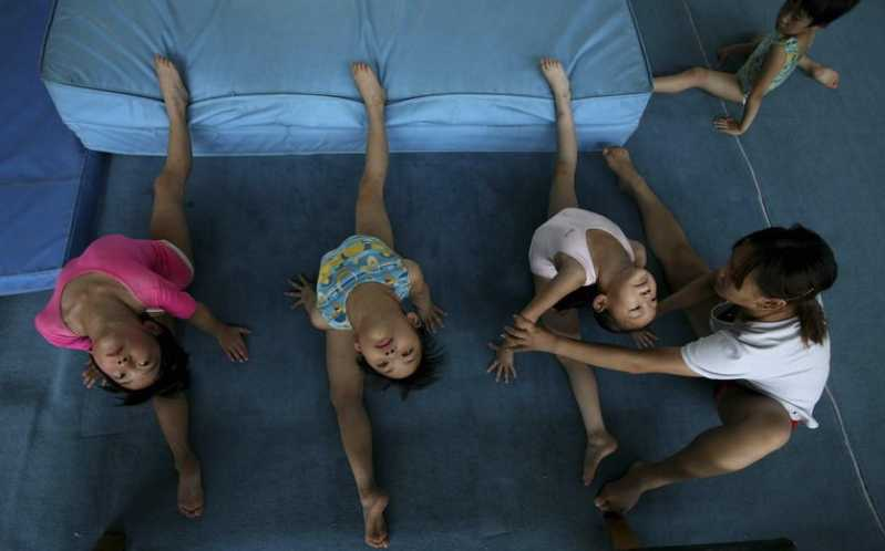 child-gymnasts-14