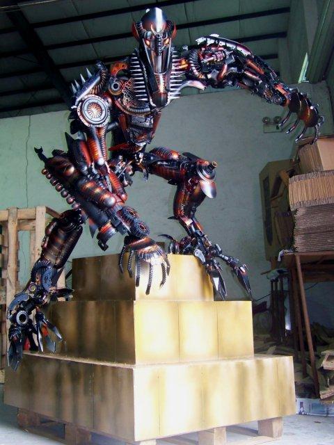 the-fallen-sculpture-5
